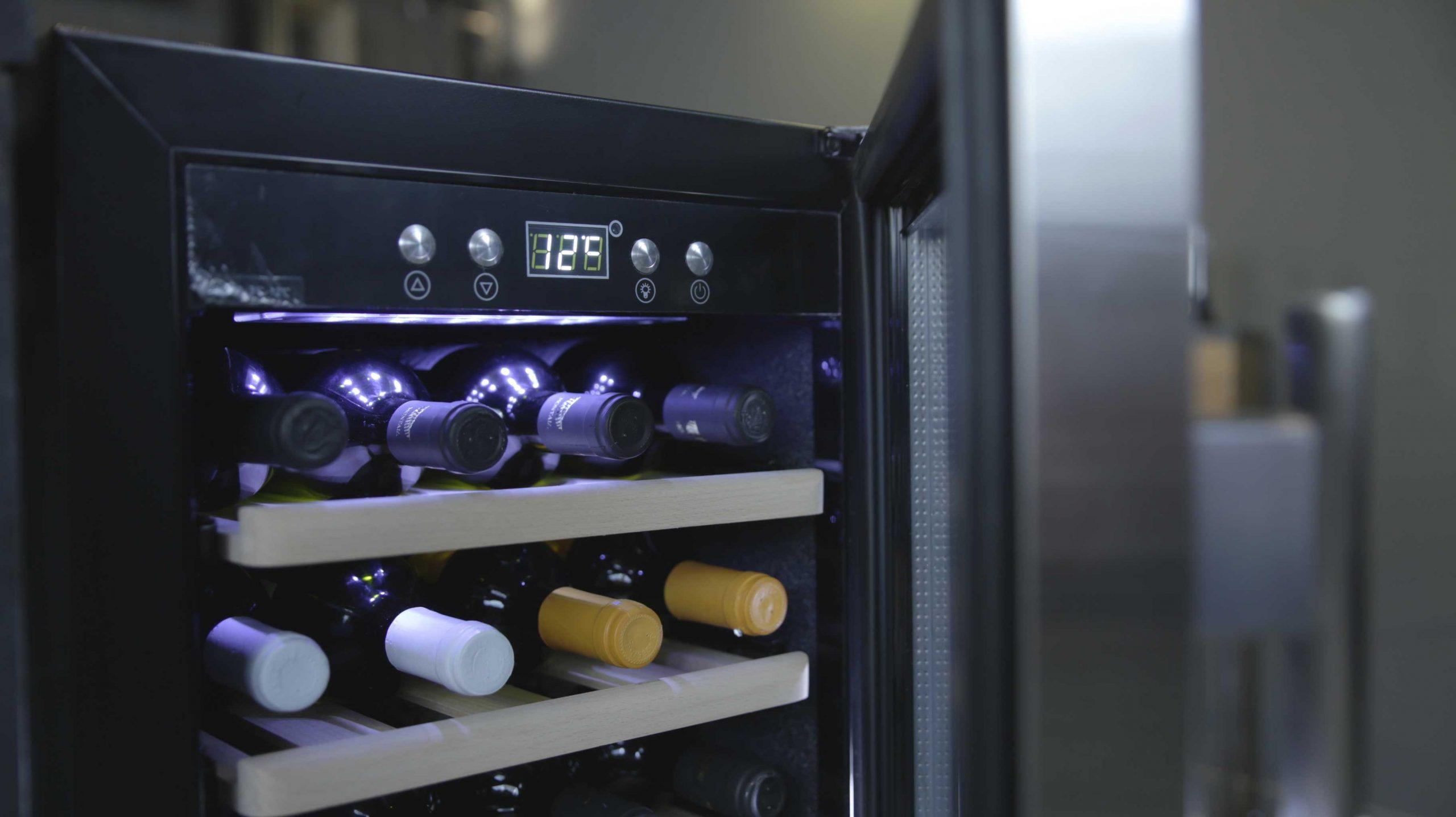 Wine cooler, 24 bottles, compressor