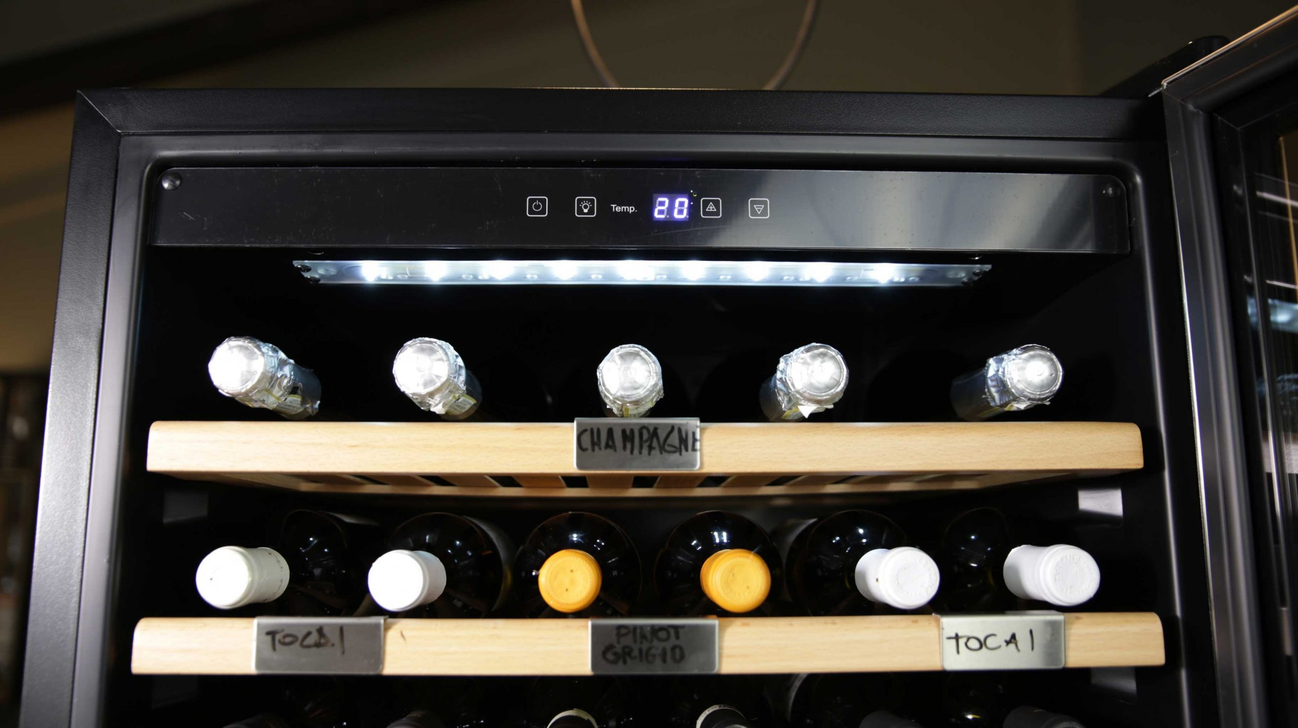 Cantinetta vino 850 bottiglie 5 zone di temperatura compressore professionale (mis. 1727x2975x690 kg.82)
